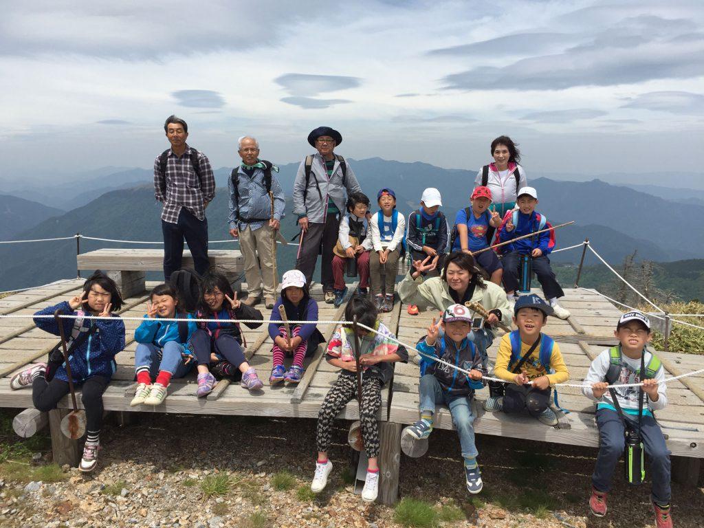 剣山の頂上